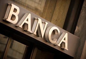 Straining in banca e risarcimento al dipendente